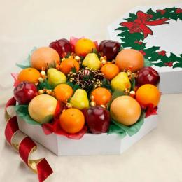 holiday-wreath-of-fruit
